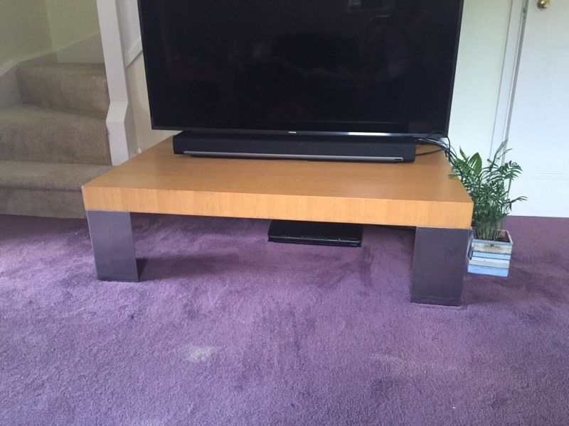 Solid wood coffee table (sstc)