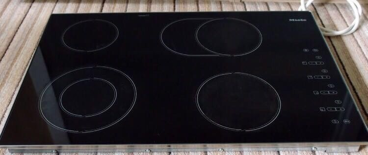 //(^_^)\ MIELE BUILT IN ELECTRIC HOB INCLUDES 1 YEAR GUARANTEE