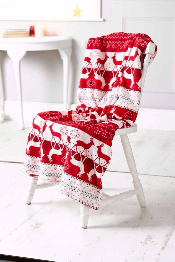 Luxury coral fleece Christmas throw- Free Delivery