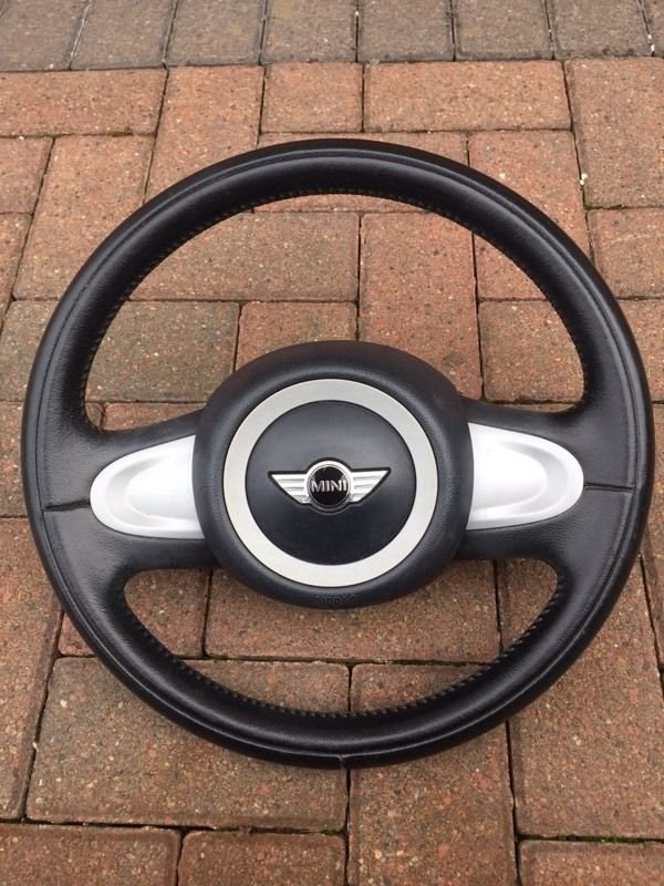 Mini One R55 R56 R57 Steering wheel and airbag