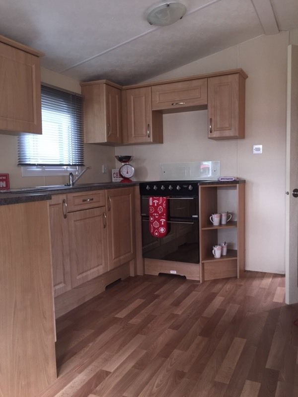Lovely caravan with a fully fitted bath!!