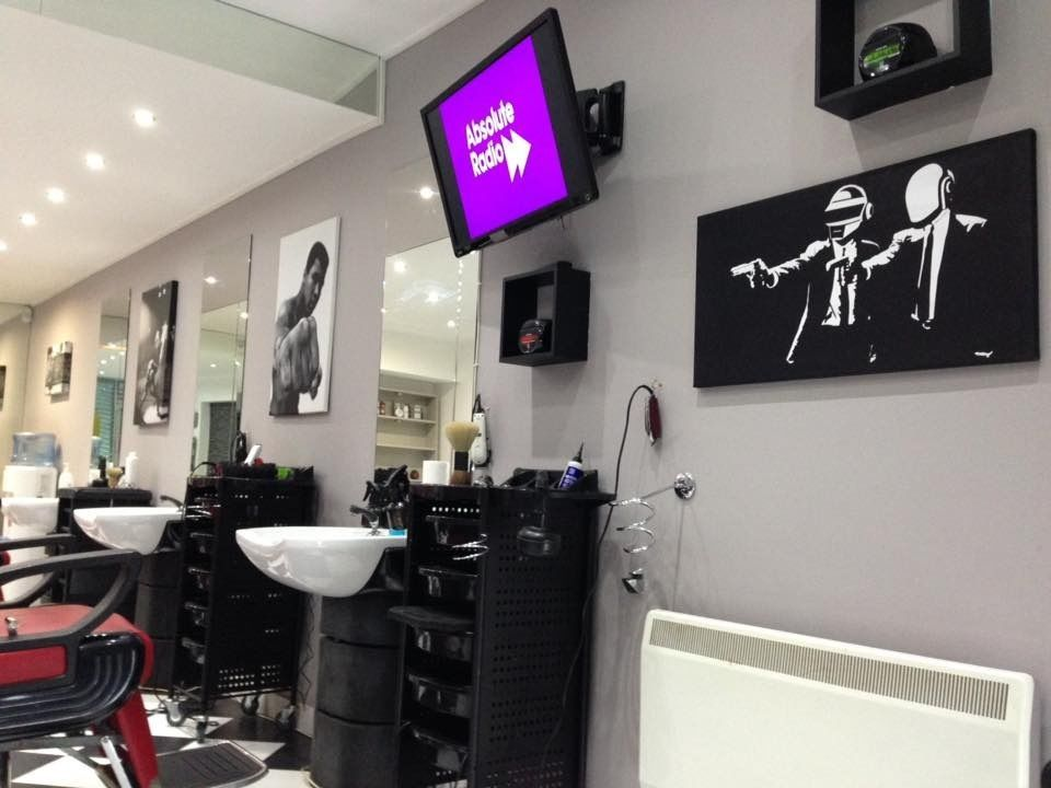 G76 postcode! BARBER REQUIRED FOR BUSY SOUTHSIDE SALON, EXPERIENCE ESSENTIAL