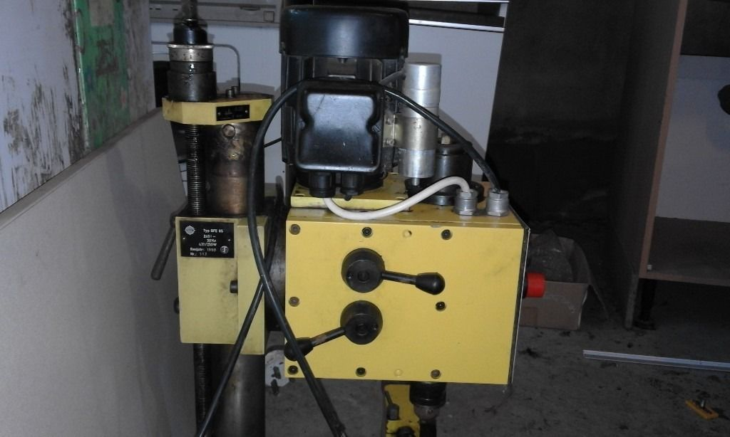 HOBBYMAT (MD65) model engineers centre lathe with motorized milling attachment (BFE 65)