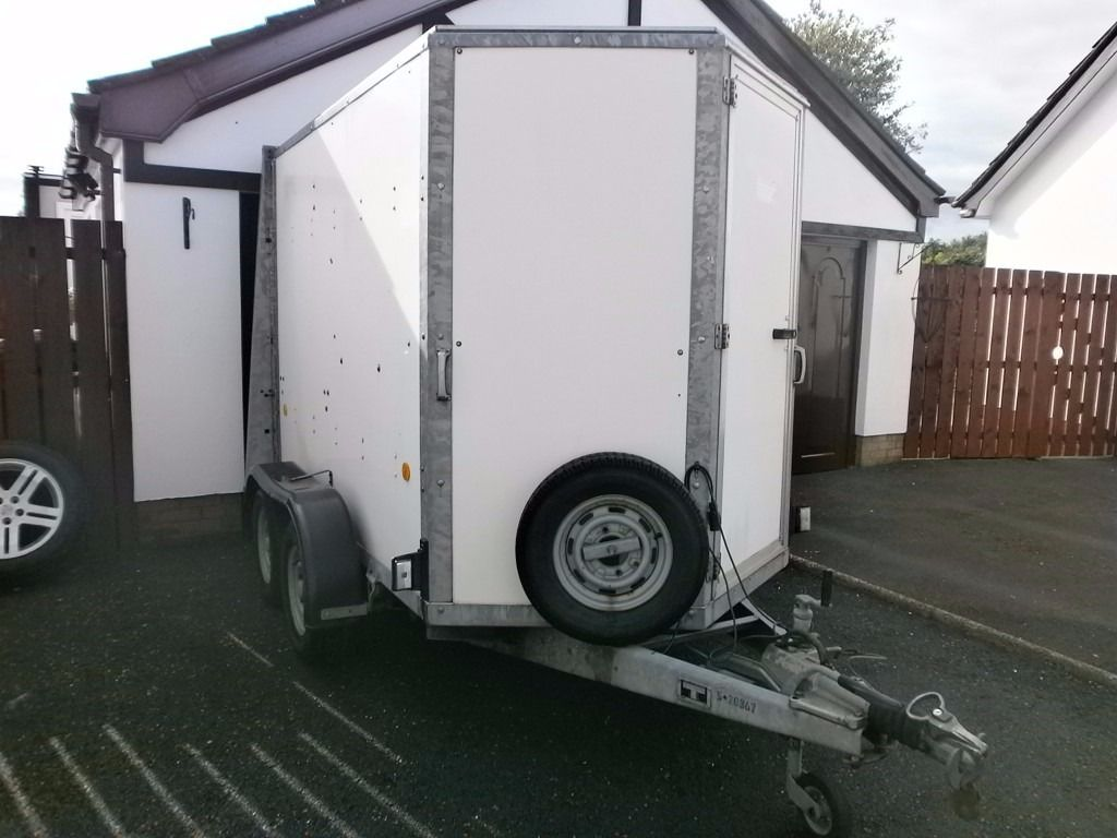 EXCELLENT 2009 IFOR WILLIAMS BOX TRAILER