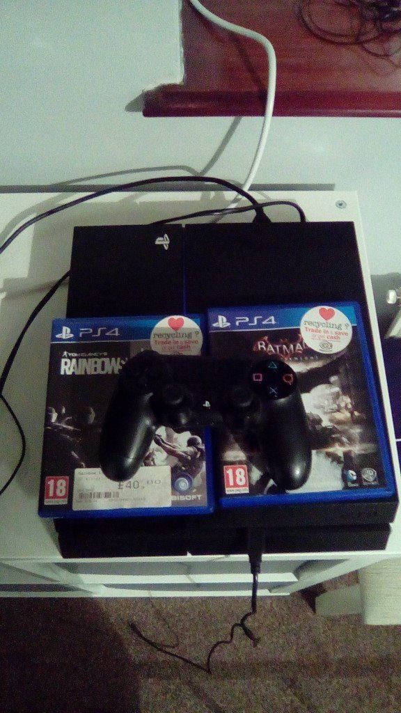 Playstation 4 with 2 games (Batman Arkham Knight and Rainbow Six Siege) Inc headset, No box