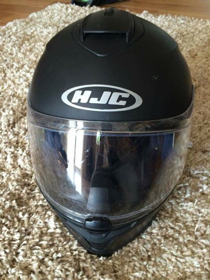HJC S17 Matt black Helmet with built in sun visor Size M
