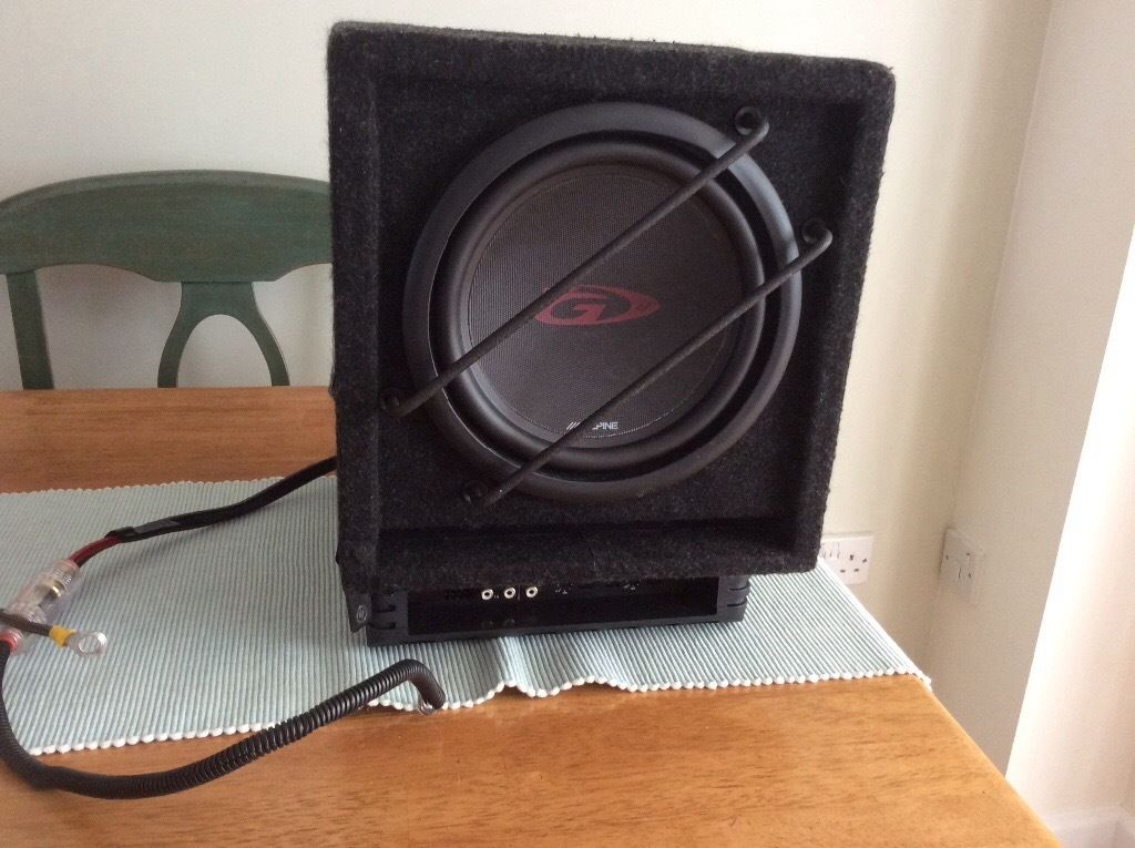 Alpine Subwoofer with amp