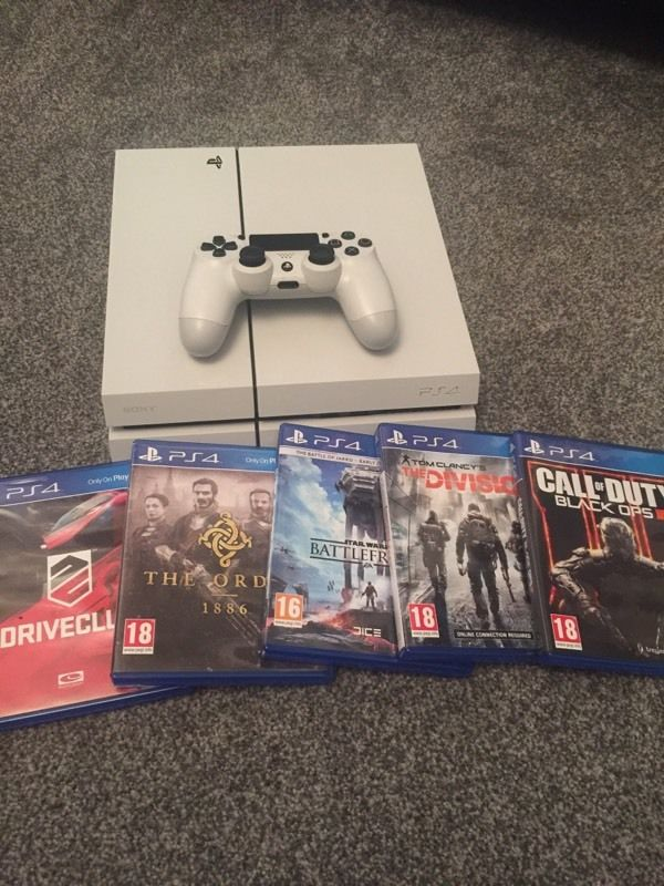 PlayStation 4 in white for sale