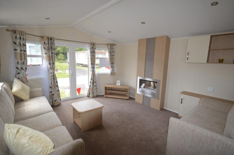 Static Caravan Nr Clacton-On-Sea Essex 2 Bedrooms 6 Berth Willerby Brockenhurst
