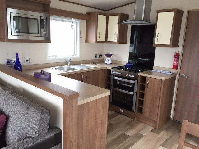 Static Caravan Nr Clacton-on-Sea Essex 2 Bedrooms 6 Berth ABI Ashcroft 2015