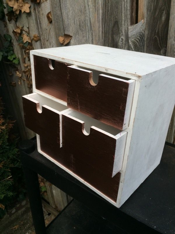 Wooden drawer unit - white and copper colour
