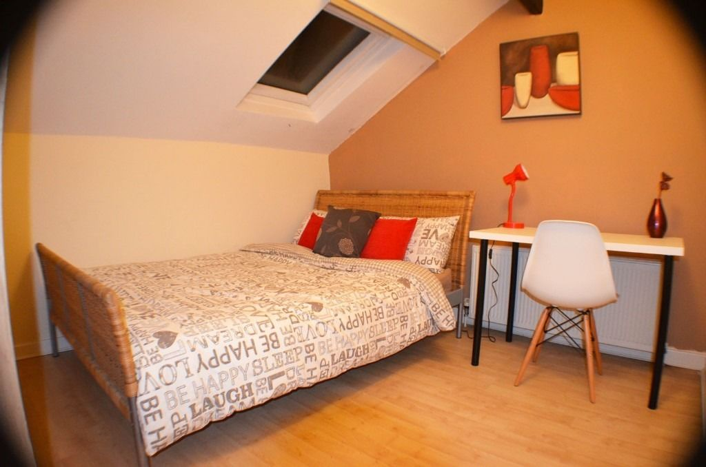 Newly refurbished room! No deposit!!