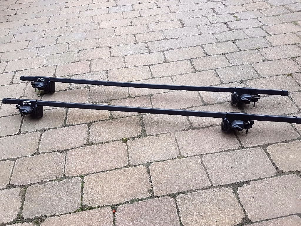 Halfords Roof Bars 1054