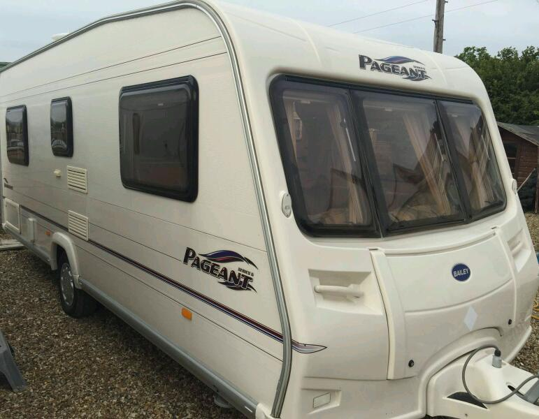 Bailey pageant bordeaux 2006 fixed bed touring caravan