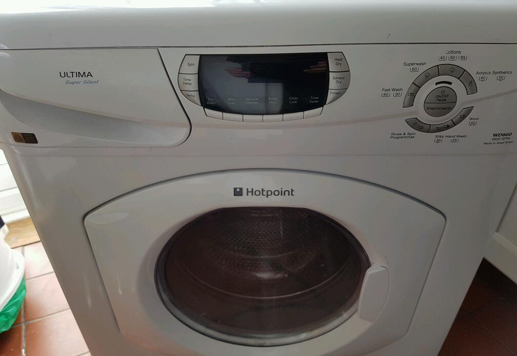 Hotpoint washer dryer - needs new door seal.