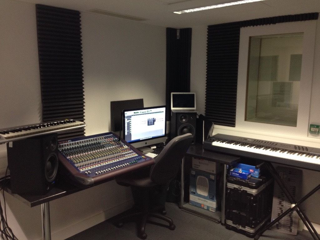 Experienced Multi-Genre Recording Studio Engineer [Located South London]