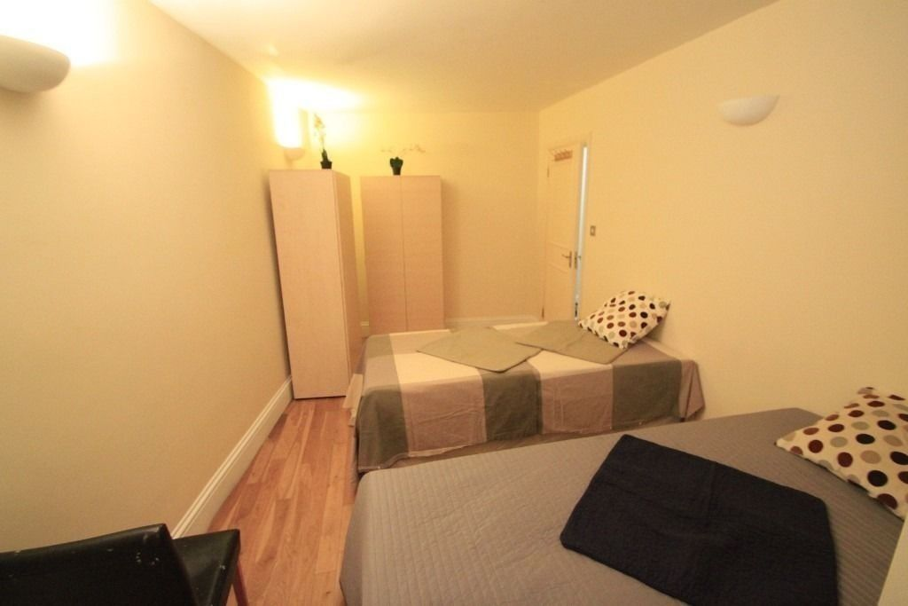 BEAUTIFUL TWIN ROOM IN ARCHWAY, CHEAP PRICE FOR THIS WEEK! near to archway station (76a)