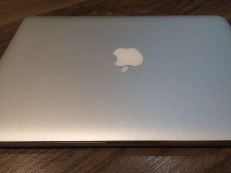 "13"" MacBook Pro, Intel i7, 16GB RAM, 1TB SSD, Retina display"