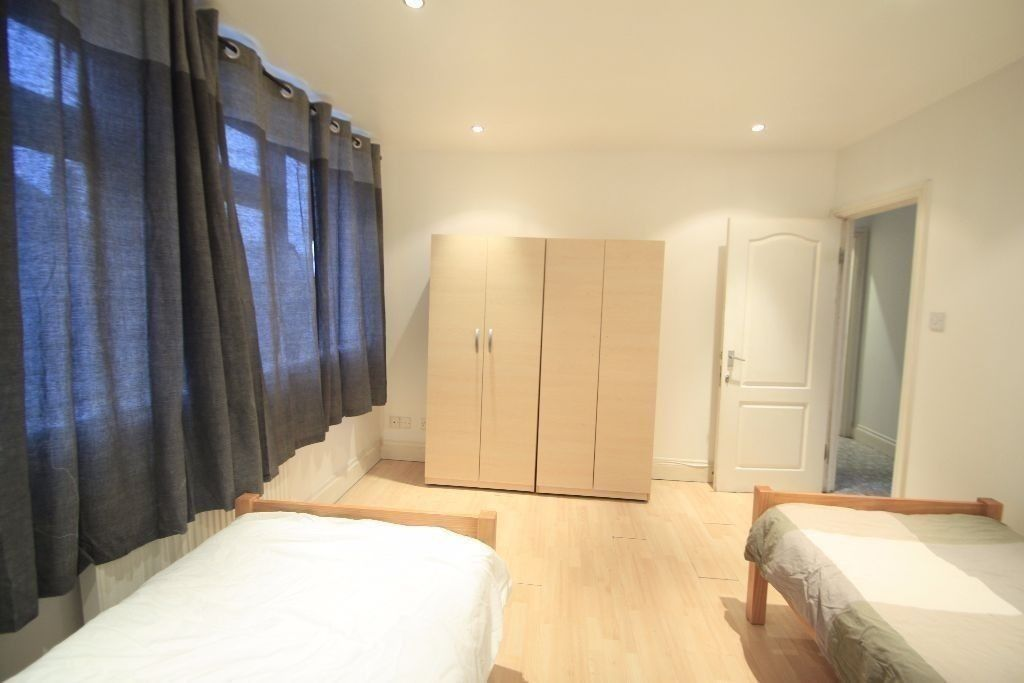 FABULOUS TWIN ROOM IN HAMPSTEAD!PERFECT HOUSE! ALL BILLS INCLUDED!convertible in double (38D)