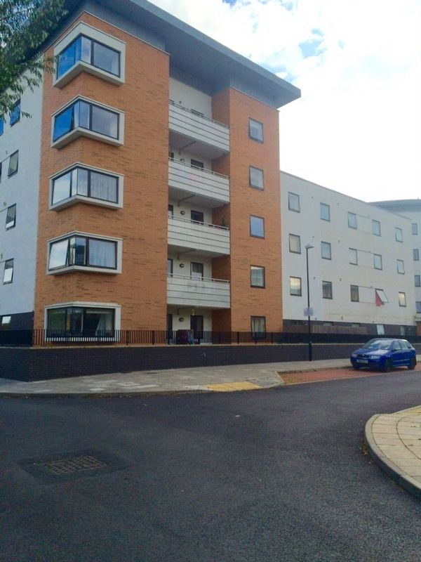 STUNNING DOUBLE ROOM IN A NEW DEVELOPMENT WITH BALCONY INCLUDING BILLS