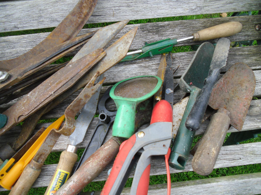 Large mixed lot of gardening tools trowels secateurs forks shears etc etc