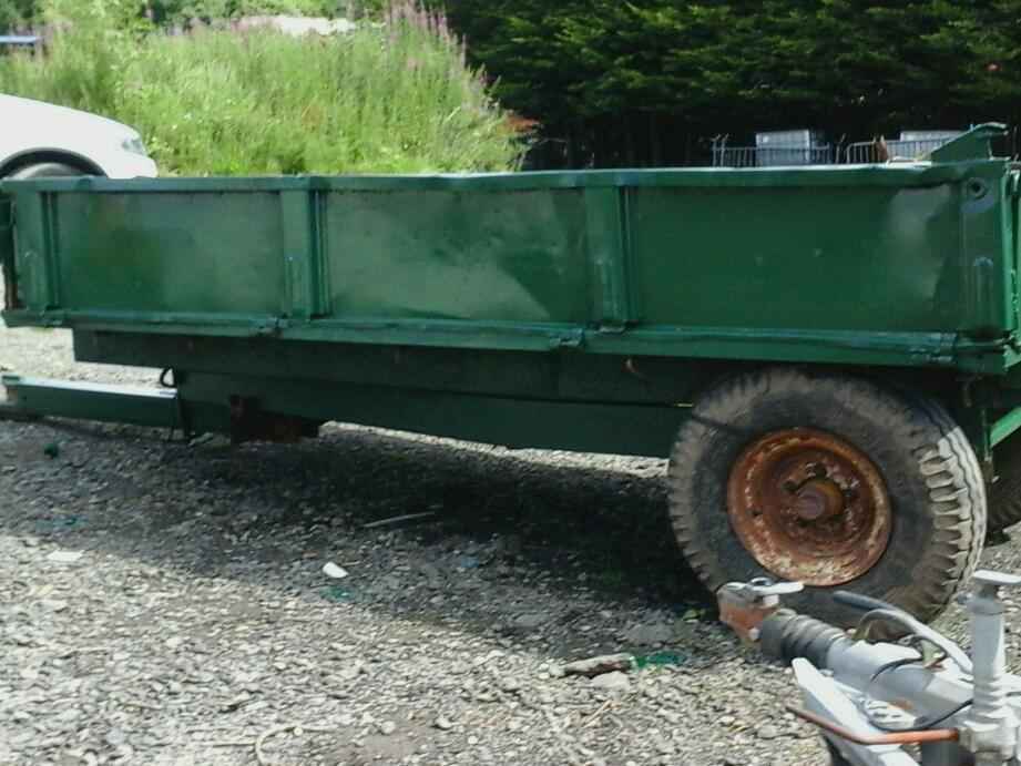 Farm tipping trailer 10x6 4 tons no vat