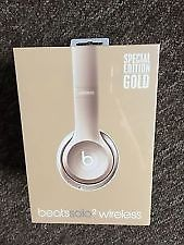 Beats by Dr. Dre Solo2 Wireless Headphones - Limited edition Gold