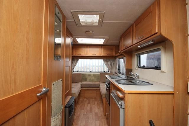 SWAP CONCIDERD CASH ITHER WAY FOR 4 OR 6 BERTH I HAVE A 2008 COMPASS ADVANTGARDE LOW PROFILE 2 BERTH