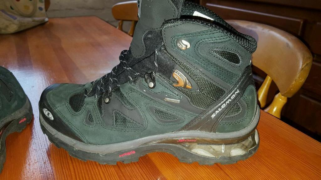 Salomon GORE-TEX walking boots Size 8