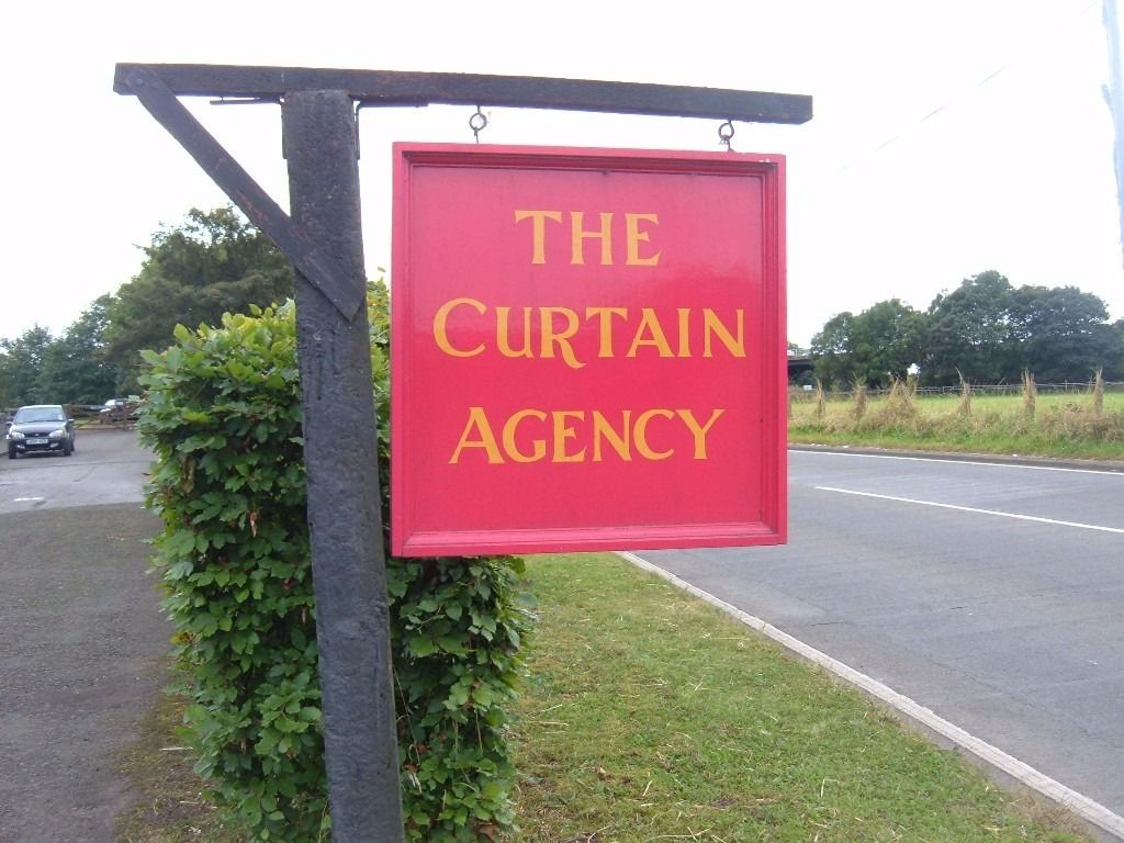 Deputy Sales Manager of THE CURTAIN AGENCY, Scotland's Premier 2nd Hand Curtain & Lighting Agency