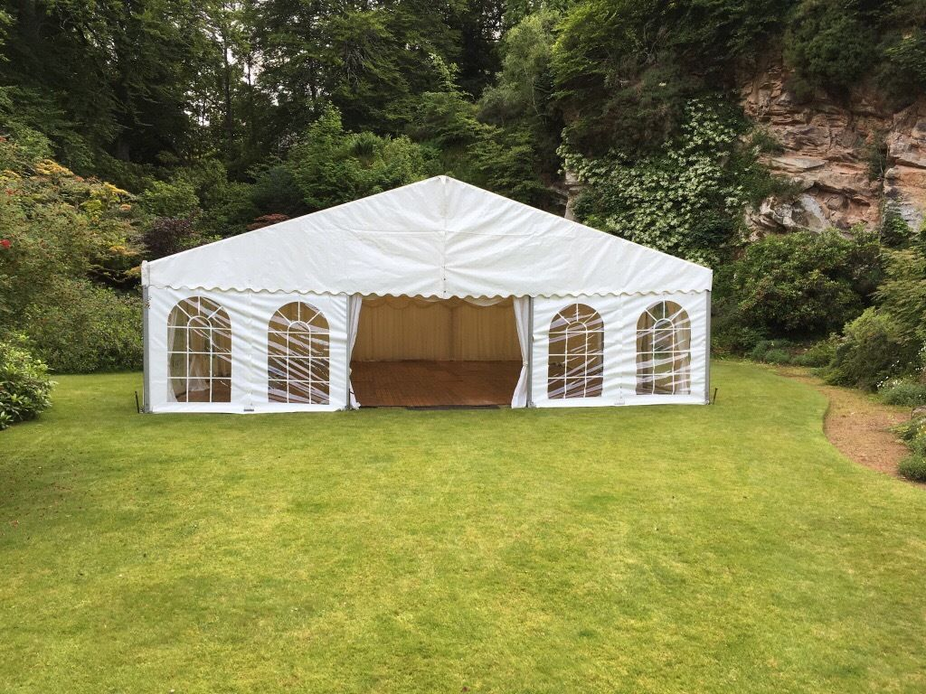 Marquee Riggers Required
