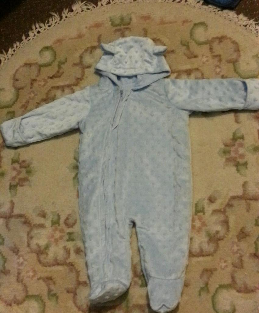 0-3months hooded baby suit with mitts NEW