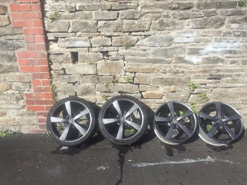 Alloy wheels for sale only.!!