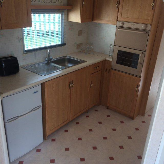 Static Caravan Nr Clacton-on-Sea Essex 2 Bedrooms 4 Berth Carnaby Siesta 1999