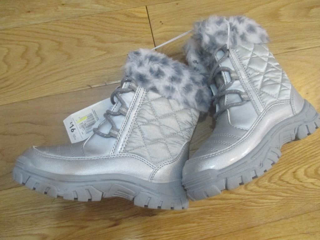 Girls Autumn Winter boots by F&F Brand New Size 9 and 10