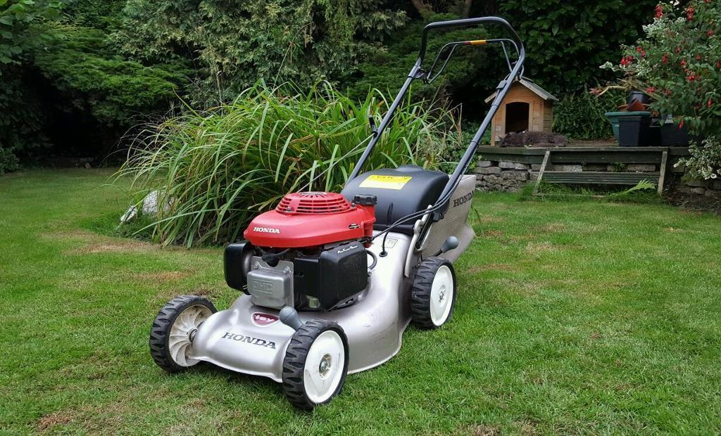 "Honda Izy 16"" Self Propelled Petrol Mower/Lawnmower"