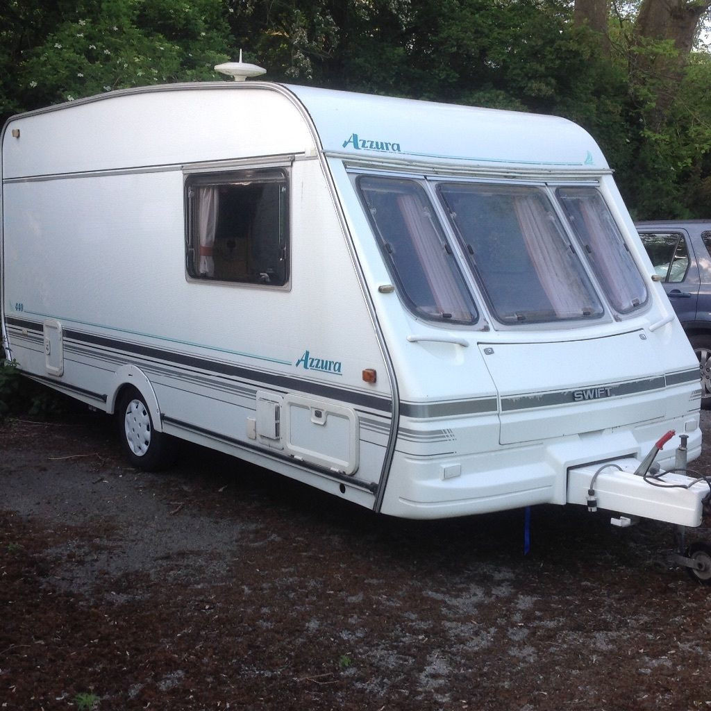 SWIFT AZZURA 440 4 BERTH TOURING CARAVAN 1995 -- WITH FULL AWNING