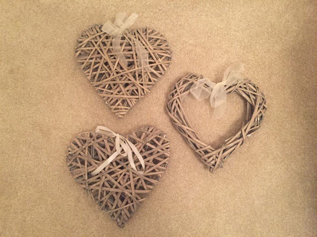 Hobbycraft wicker hearts x 3