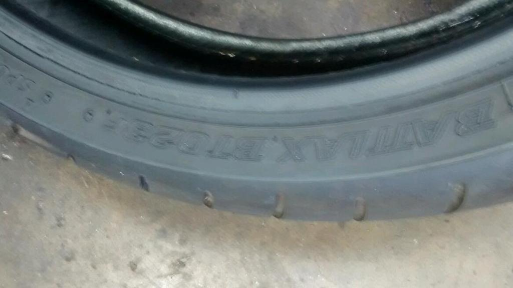Bridgstone bt023 120/70/17 used motorcycle tyre