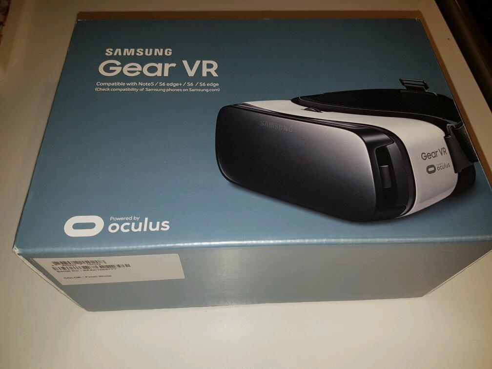BRAND NEW 100% AUTHENTIC SAMSUNG GEAR VR IN SEALED BOX. BOUGHT FROM CARPHONE WAREHOUSE NEVER USED!