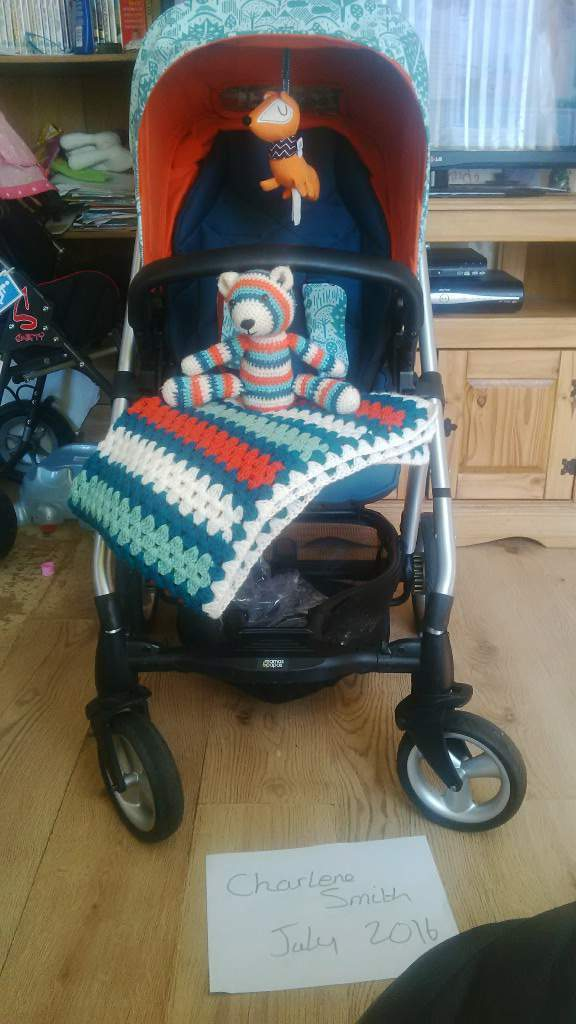sola 2 in limited edition dona wilson fox leaf, with cybex aton carseat and adaptors