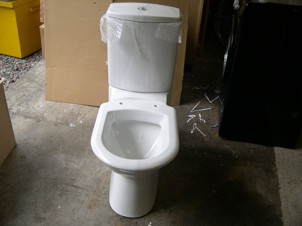 New Close Coupled Toilet Pan and Cistern in White Porcelain