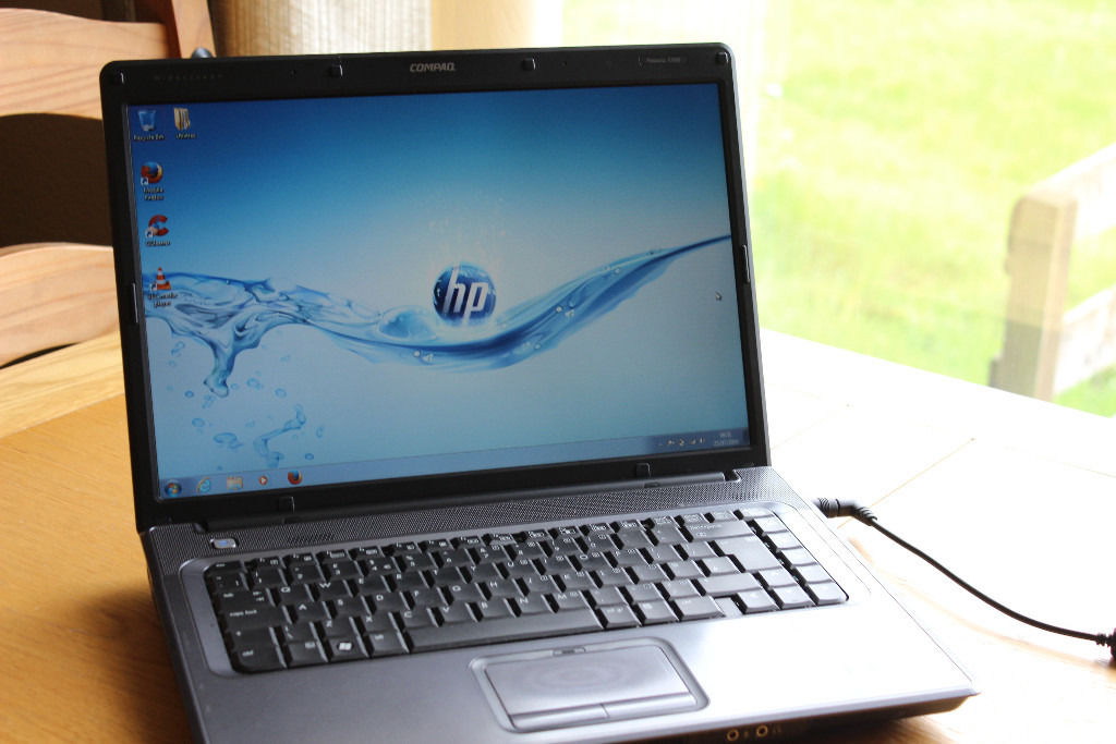 "SUPERB HP WIDESCREEN 15.4"" WINDOWS 7 INTEL DUAL CORE LAPTOP OFFICE 2007 PRO WITH GENUINE HP CHARGER"