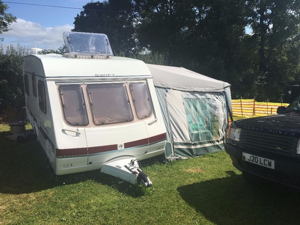 Swift Charisma 550 4 Berth Fixed Bed With Full Awning Plus Weekend Awning