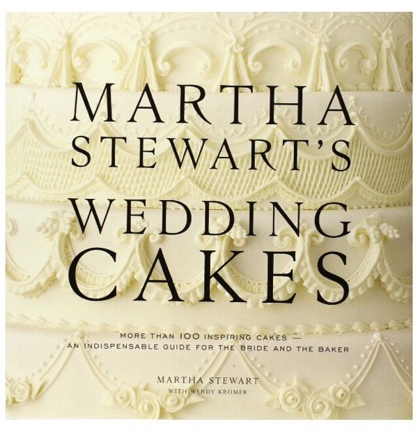 Martha Stewart's wedding cakes book, rare book and good condition