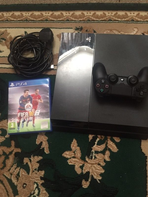 Ps4 500GB comes with FIFA 16 immaculate condition only been used few times call or text me thanks