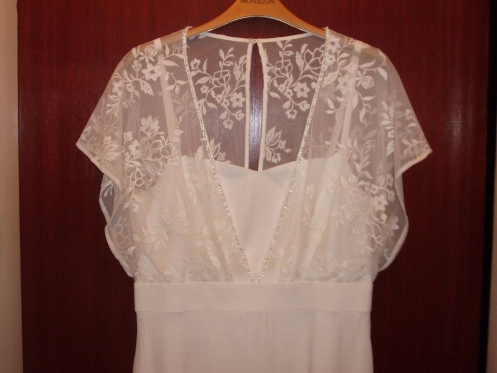 Ivory dress in crepe/lace from Monsoon brand new