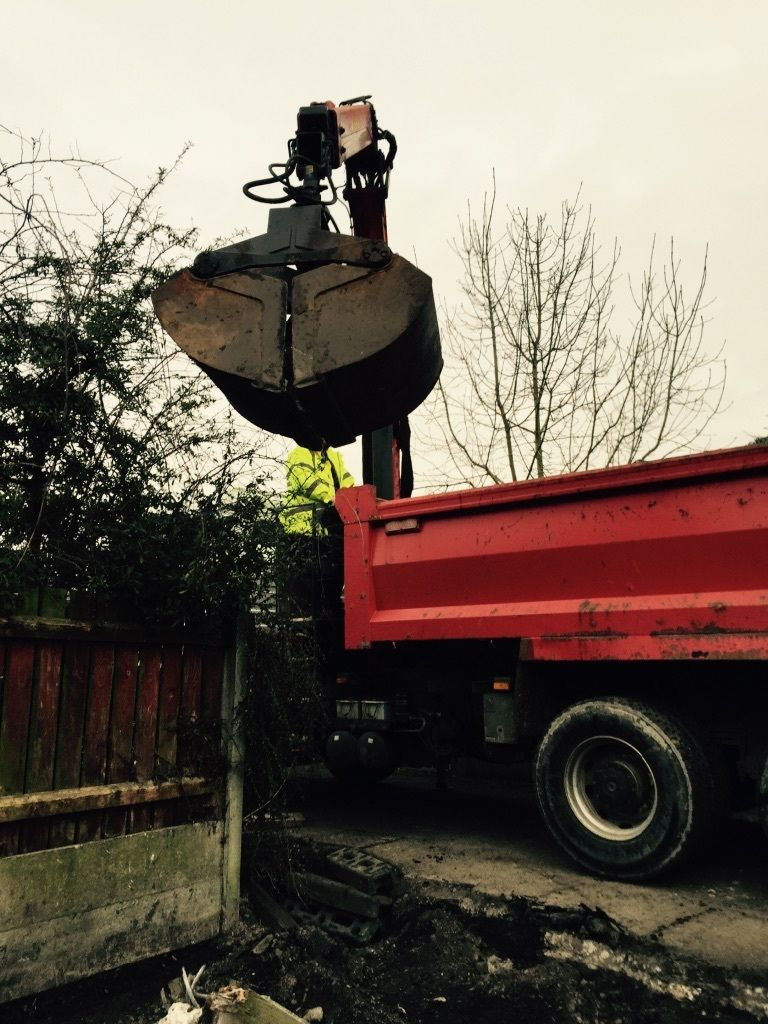 Grab Wagon Hire Stockport/Manchester muck away lorry better than skips