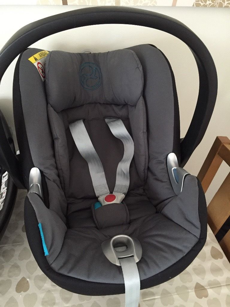 Cybex Aton q child seat with isofix