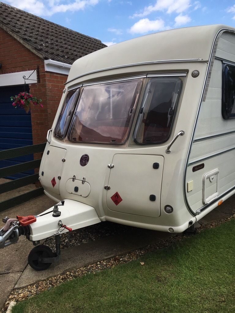 VAN MASTER APPLAUSE TOURING CARAVAN PLUS MANY EXTRAS.